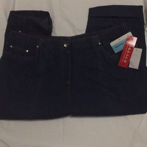 New with tags ladies capri jeans